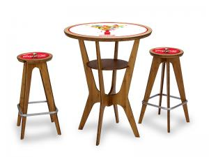 RE 400 OTM Table and Chairs